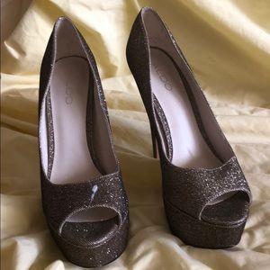 Aldo Shoes - Gold glitter pumps